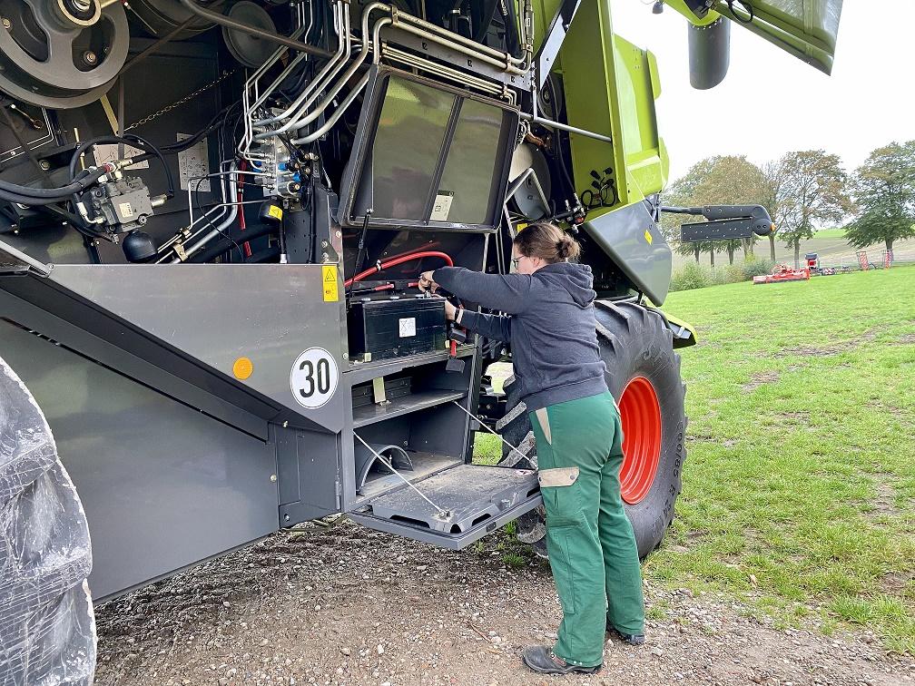 Ausbildung Landmaschinenmechatronikerin
